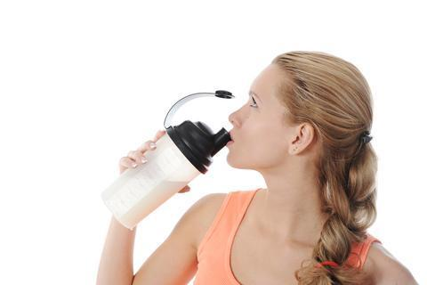 woman_drinking_protein_mix