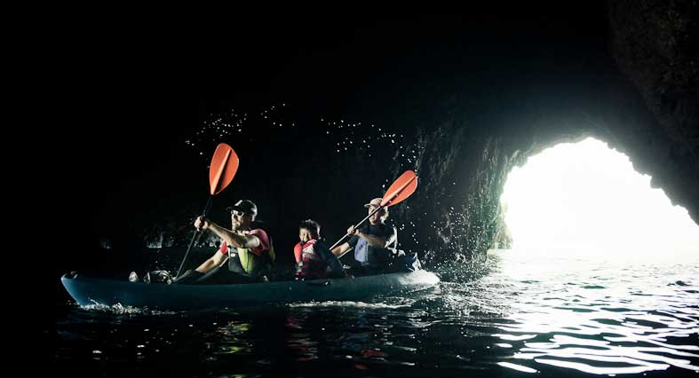 Kayaking_cave_by_Kevin_Steele